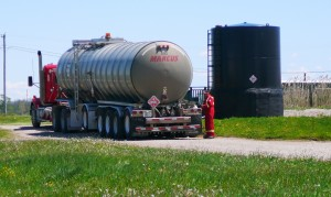 Five axle trailer at a producer's loading site