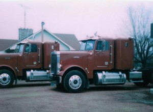 Two new Freightliner tractors. (April 1984)