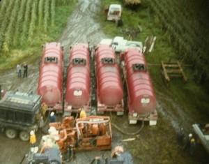 Hydraulic fracking near Rodney, ON. ()